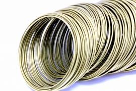 Memory wire bronskleurig 5.5cm 1mm dik voor een armband 25 gram 25 cirkels
