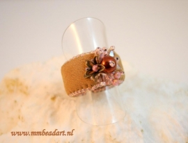Ring, Marlies Mast met onze cuff ring