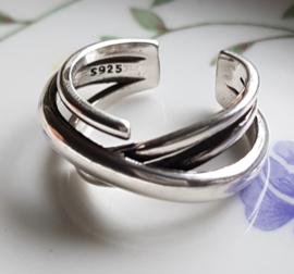 Ring met gekruiste banden, verstelbaar, per stuk