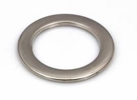 Ring zilverkleurig 34mm doorsnee met gat over de lengte per 4 stuks