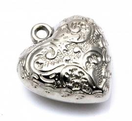 Hanger bol bewerkt hart zilverkleurig 29 bij 25mm per 10 stuks