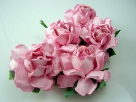 r21/105 roosje roze per 5 stuks 3.75cm