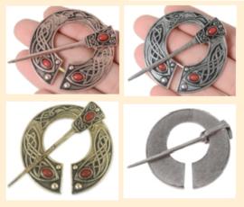 Brons-, zilver- of goudkleur Ø4,5cm, naald 6cm