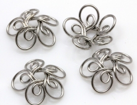 Sierlijke kraalkap draad bloem nikkelkleur17mm in diameter, 1mm thick, hole: 4mm per 4 stuks