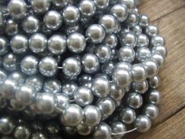 Parel 8mm  zilvergrijs per 10 stuks