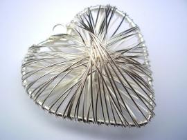 Bol wire hart zilverkleur ongeveer 40mm per stuk
