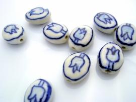 Kraal 14x11mm Keramiek Plat Ovaal Delfts Blauw Tulp aan beide zijden, per stuk