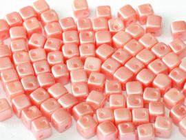 Crisscross Cubes Alabaster Pastel Lt.Coral, per 30 stuks