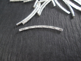 Tube Beads, Brass, Curved, Silver, about 2mm wide, 35mm long, hole: 1mm per 50 stuks