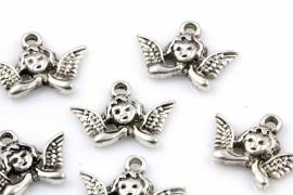 Hanger engeltje klein 20 bij 15mm per 10 stuks