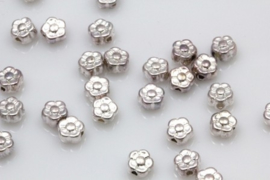 Lief klein bloemenkraaltje zilverkleurig 5mm per 10 gram