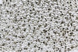 Spacer bead 3mm silver kraaltje gat 1mm per 25 gram ongeveer 550 stuks