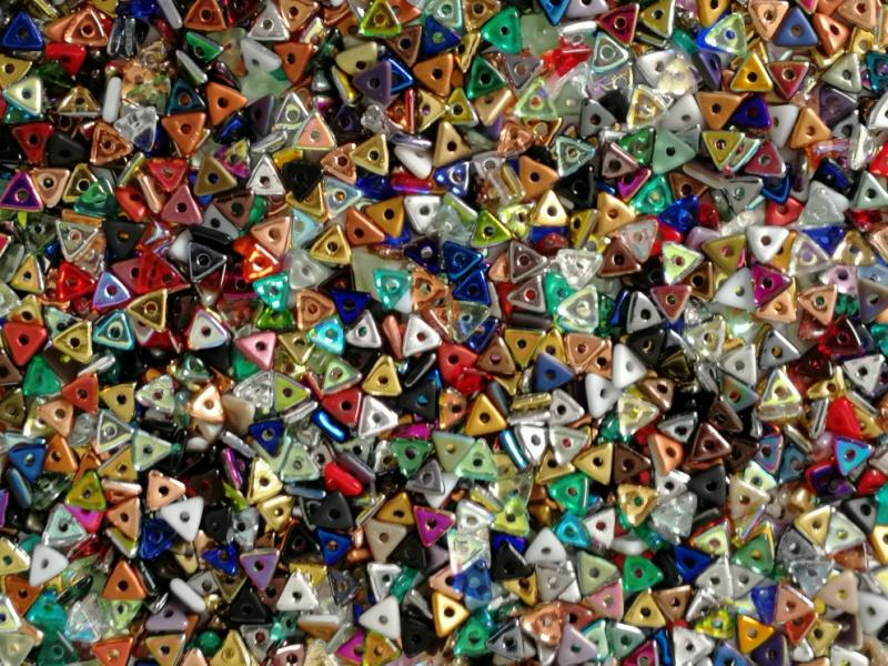Tri-Beads Assorted Colour Mix, per 5 gram (±140 stuks)