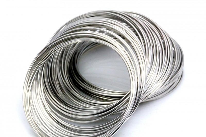 Memory wire zilverkleurig 5.5cm 1mm dik voor een armband 25 gram 25 cirkels