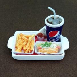 Paten met cola en hotdog