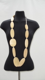 "Ketting beige "" Afrowood"" Maliparmi"