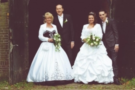 Huwelijk Tamara en Anneke met hun mannen 2