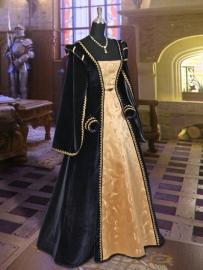 Renaissance/Tudor B124