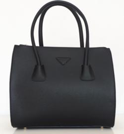 Zwarte tas met drie aparte ritsvakken