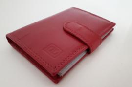 Lederen pasjeshouder met RFID bescherming voor 20 pasjes