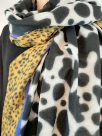 Zwart-witte sjaal met goudgeel en blauw