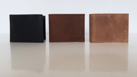 Stoere lederen herenportemonnee in drie kleuren (breed model)