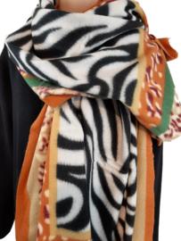 Zwart-witte sjaal met diverse andere kleuren