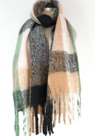 Dikke sjaal met diverse kleuren
