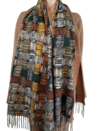 Sjaal met verschillende herfstkleuren