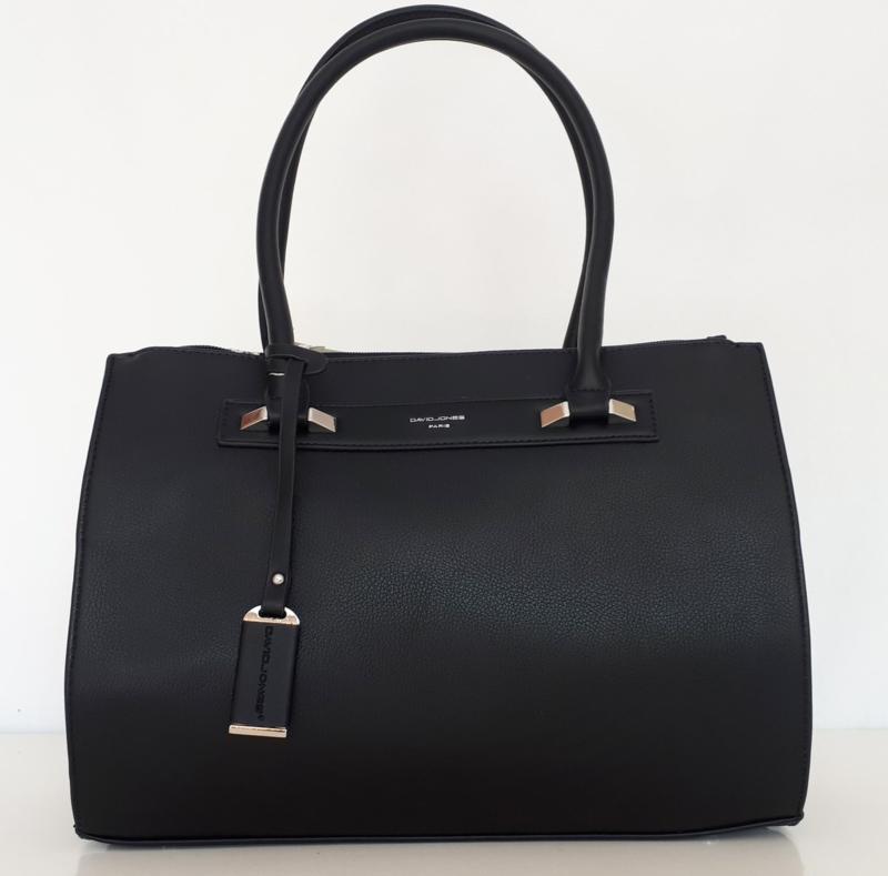 *UITVERKOCHT* Zwarte tas met drie ritsvakken