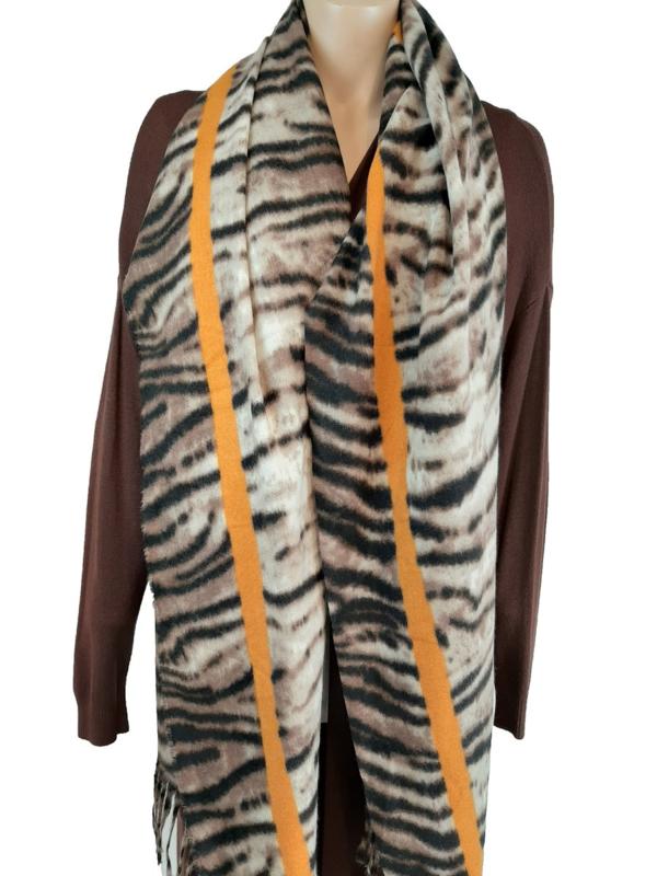 Sjaal met tijgerprint en oranje bies