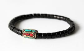 Tibetaanse armband met ingelegde sierkraal
