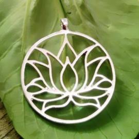 Lotushanger aan ketting