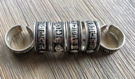 Tibetaanse ring met Mantra en Lotus