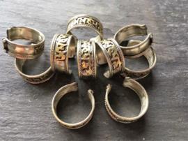 Ring van Tibetaans zilver met Mantra van koper