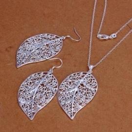Fraaie bladvormige sieradenset