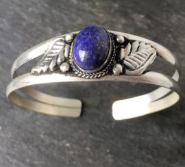 Tibetaans zilveren open armband met Lapis Lazuli