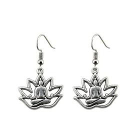 Boeddha in Lotusbloem, zilverkleurige oorbellen