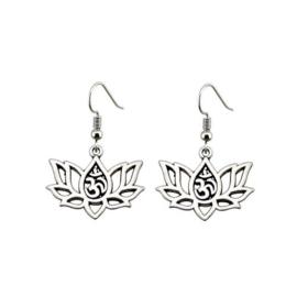 Mantra in Lotusbloem, zilverkleurige oorbellen