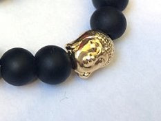 Armband van matte Onyx met goudkleurige Boeddha-kraal