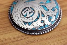 Authentiek amulet van Tibetaans zilver met Mantra en Turkoois, aan ketting