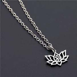 Mantra in Lotusbloem zilverkleurig, met ketting