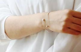 Lotus in open armband van zilver