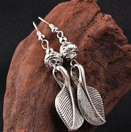 Hanging Leaf oorbellen van Tibetaans zilver