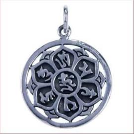 Lotusbloem met mantra, opengewerkt hangertje van zilver