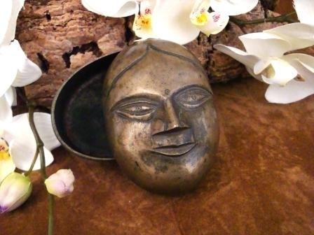 Oude bronzen facebox uit India