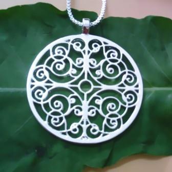 Mandala hanger aan ketting
