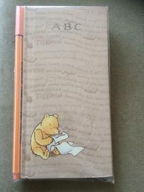 Winnie the Pooh adresboekje + Stabilo fineliner