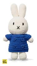 Nijntje handmade gehaakt en haar blauwe jas