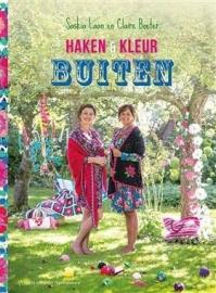 Haken & Kleur buiten - Saskia Laan en Claire Boeter